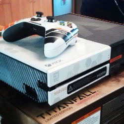 Xbox One im Titanfall Design